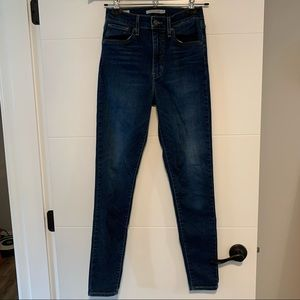 Levi's   Mile High Skinny Jean